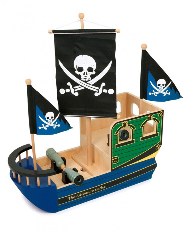 "Pirate Ship ""Skull"""
